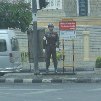 Scarecrow_police_thailand_2